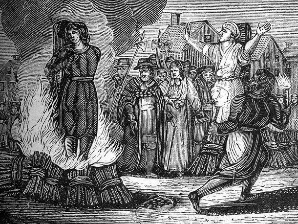 brujas quemando