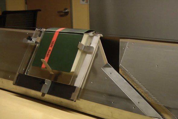 Linear Book Scanner: Escáner de libros de bajo costo