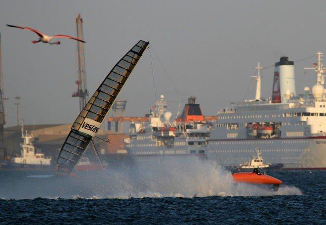Sailrocket 2: Rompe el récord de velocidad en velero