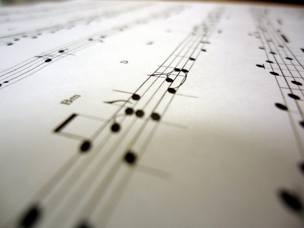 ¡Aprende a tocar instrumentos en línea!