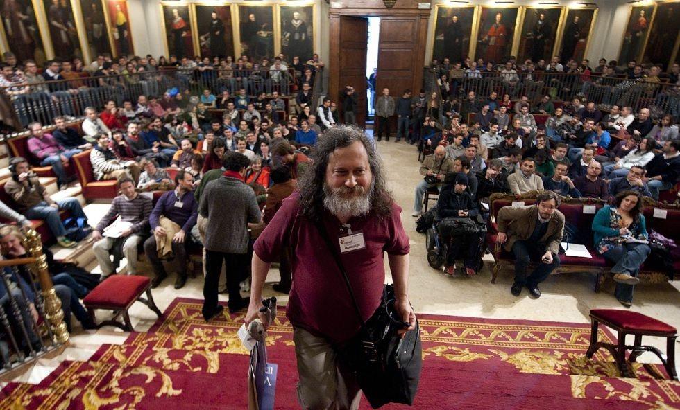 """""""Google no es puro demonio como Facebook"""" (Richard Stallman)"""