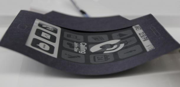 MorePhone: Móvil flexible que se dobla cuando te están llamando