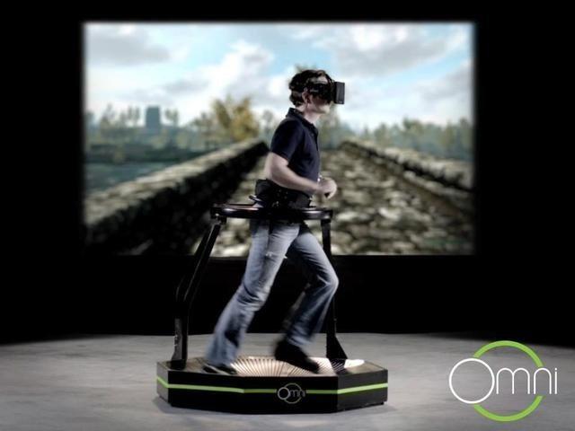 Omni: Caminadora omnidireccional para Realidad Virtual (vídeos)