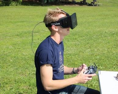 Intuitive Aerial: Volando drones en primera persona con Oculus Rift