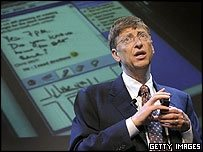 Bill Gates recibido como un pop star en Vietnam