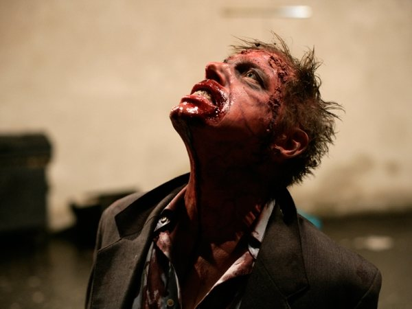 Rammbock: Zombies, estilo alemán (trailer)