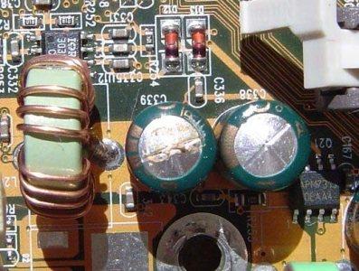 Galería de capacitores hinchados y volados