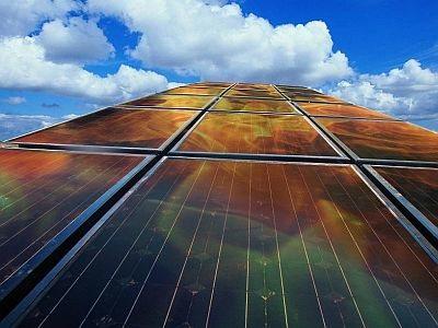 Cómo generar electricidad y agua caliente con el mismo panel solar