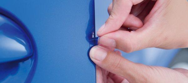 Toyota Stickerfix: Repara arañazos en el coche