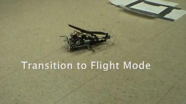 Robot se transforma en helicóptero
