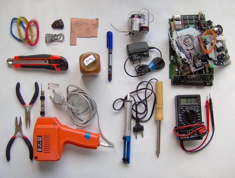DIY: Herramientas para electrónicos (Esenciales)