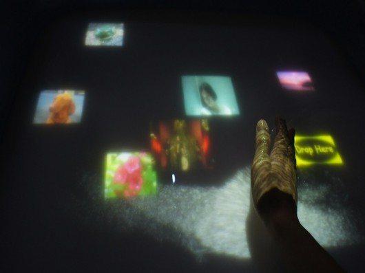 AquaTop: Una pantalla interactiva en el agua