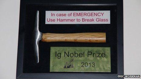 Así fue la plaqueta que se le daba a los ganadores