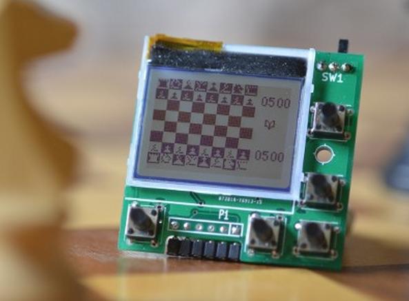 PIC Blitz: Microcontrolador Open Source para jugar ajedrez