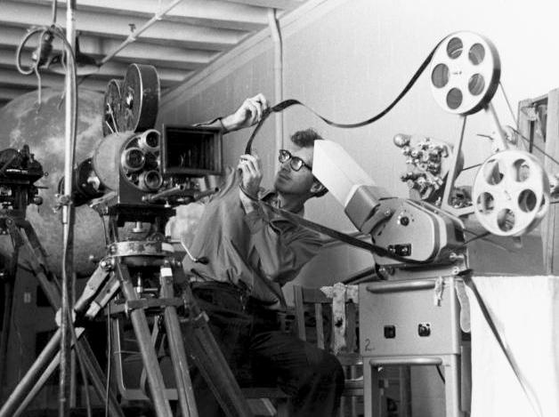 El montaje cinematográfico es el orden narrativo y rítmico de los elementos filmados (los planos registrados) que permite crear la versión definitiva de una película