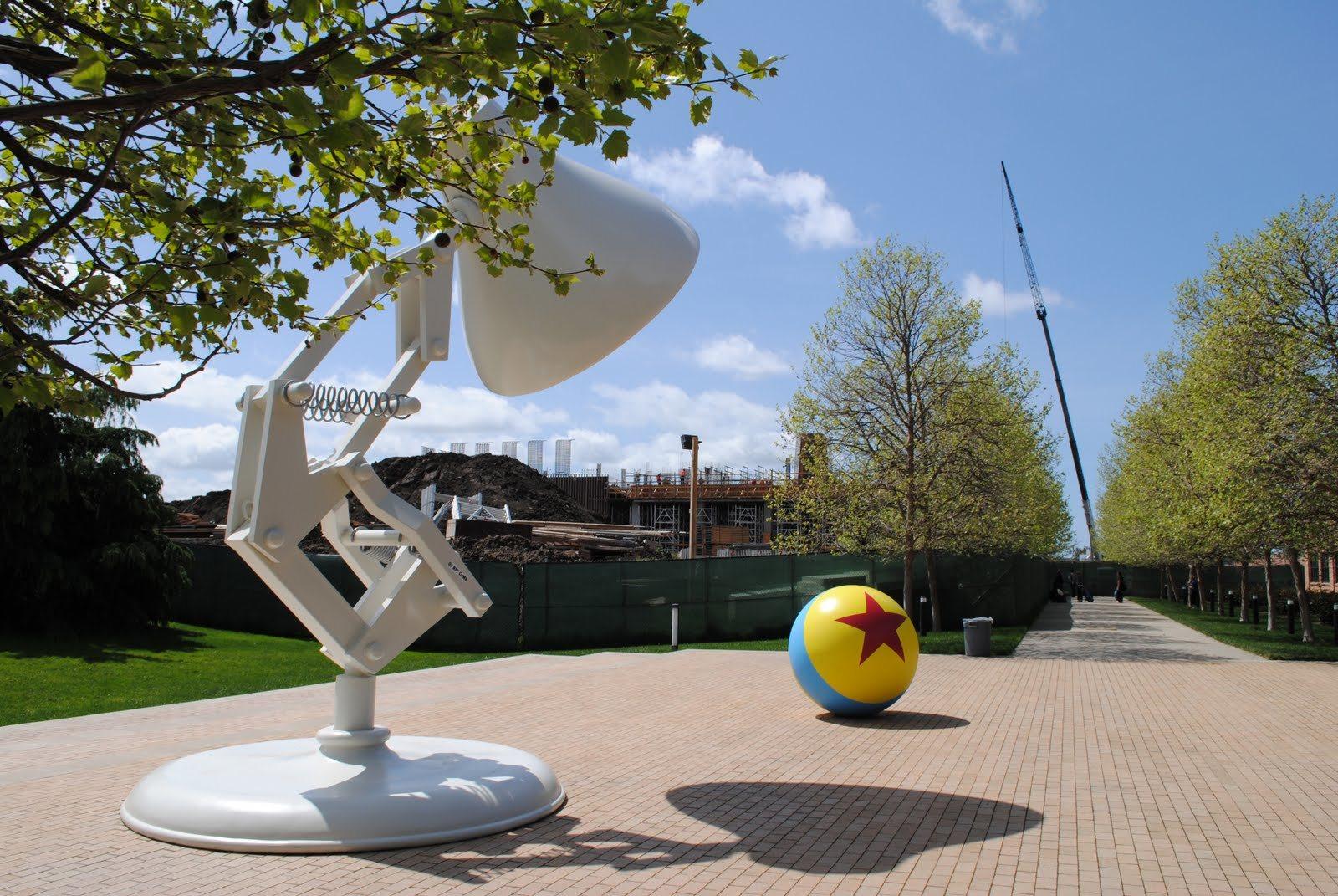 El placer de trabajar las mejores oficinas del mundo neoteo for Oficinas pixar