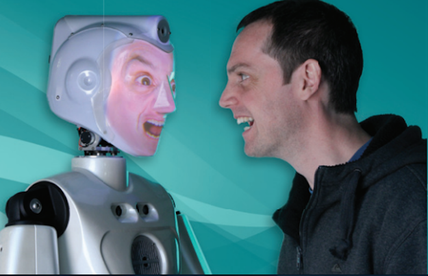Socibot Mini puede usar tu cara para reproducir tus gestos.