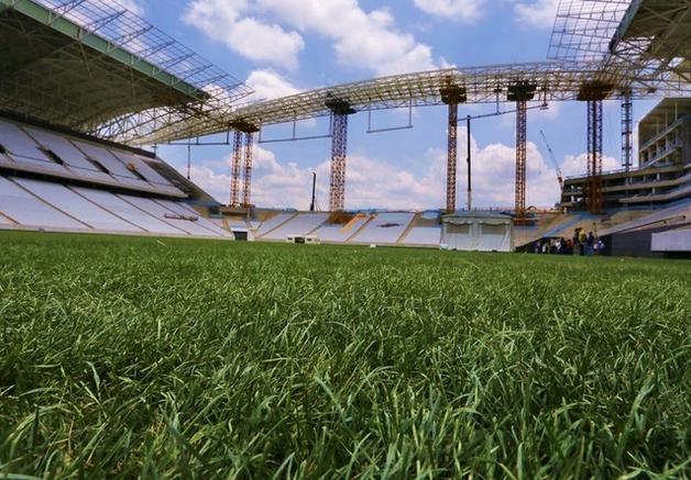 Una grama europea, pueden llegar a cambiar la forma de jugar de los equipos brasileros una vez terminada la Copa del Mundo