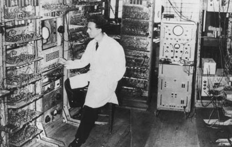. Sus Padres construyeron uno de los primeros ordenadores (Manchester Mark I)