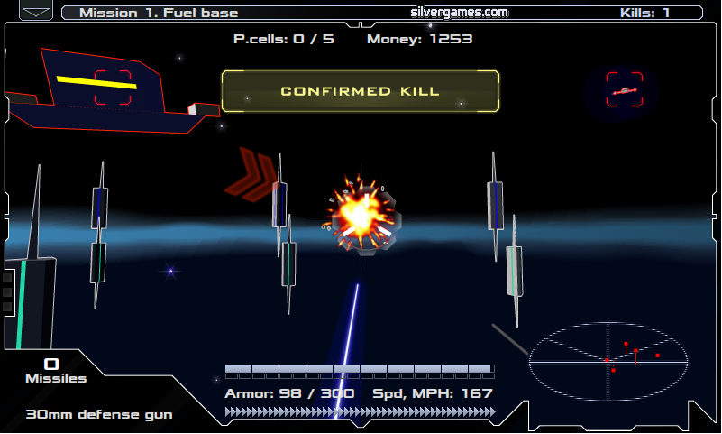 Utiliza el radar para ubicar las naves enemigas