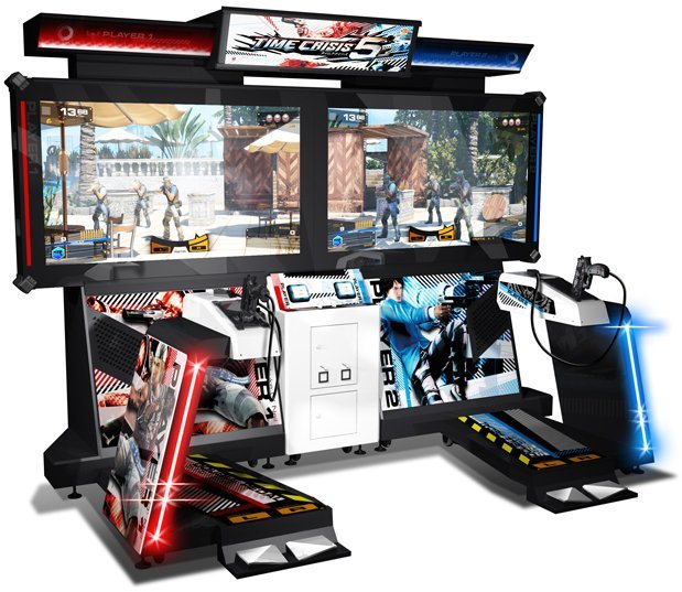 Time Crisis 5 con doble pedal y juego multiplayer cooperativo