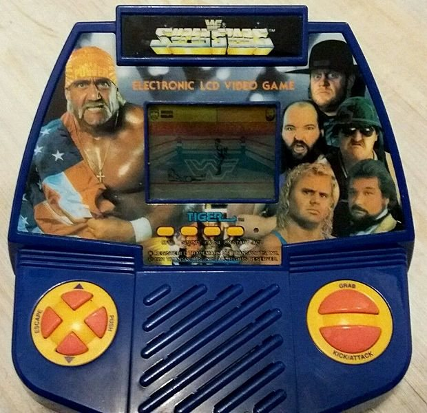 tiger-retro-1990-handheld-wwf-superstars-lcd-video