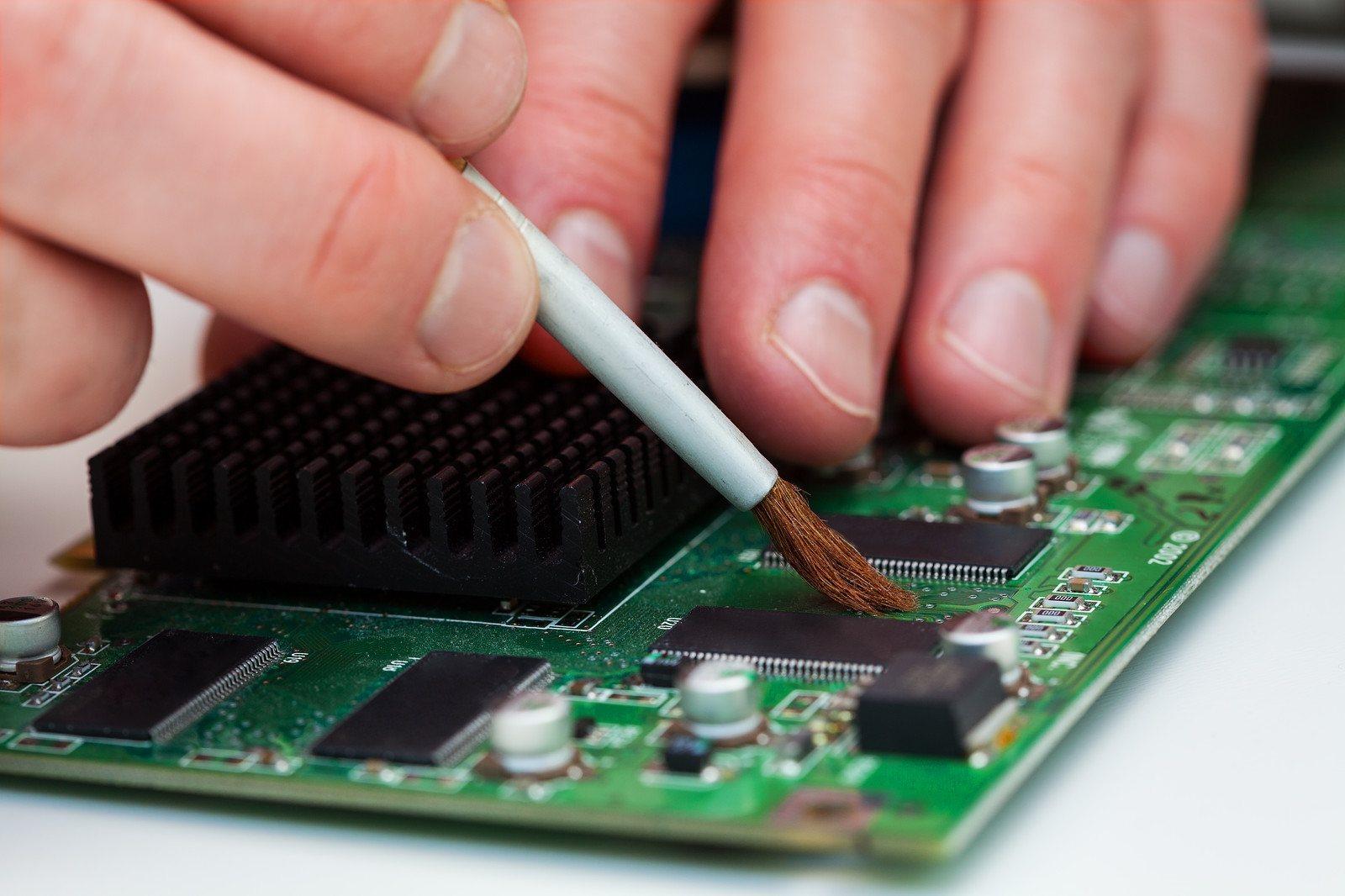 Cómo limpiar el polvo de tu PC