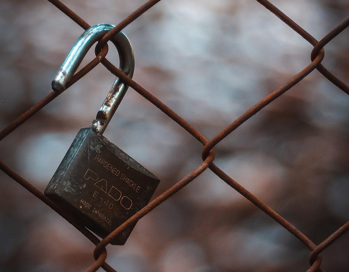 abrir un candado sin llave