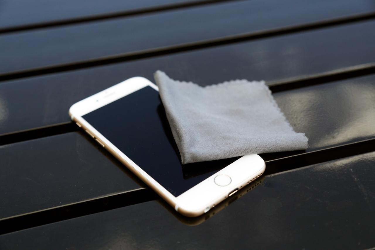 Cómo secar un teléfono móvil mojado