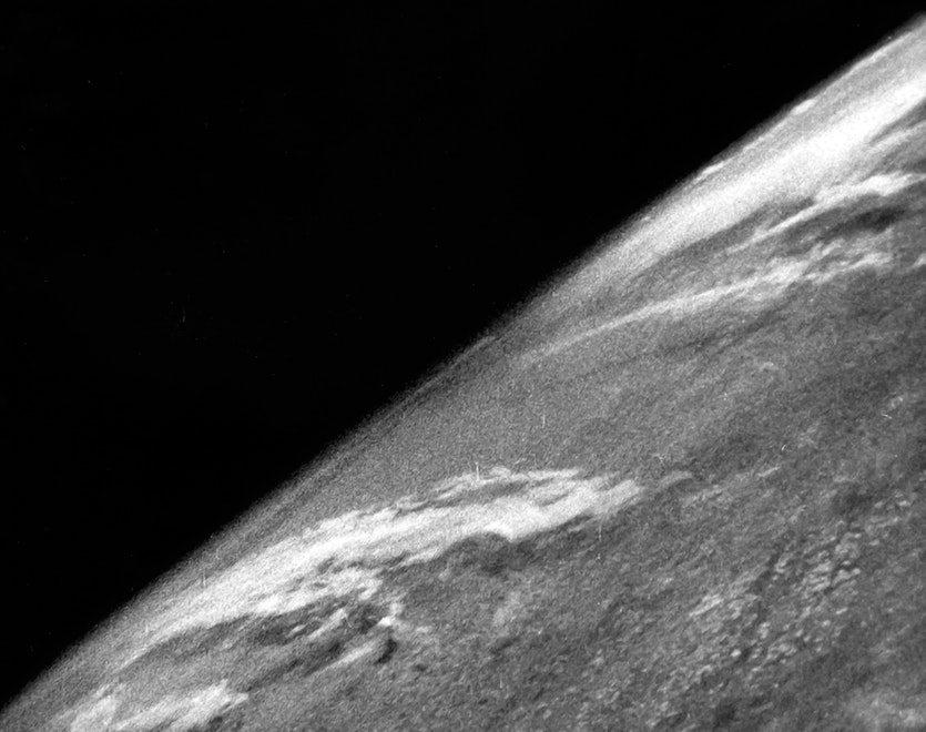 La primera foto de la Tierra