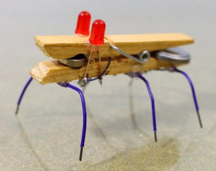 Cómo Hacer Un Mini Robot Casero Con Una Pinza De Madera Para
